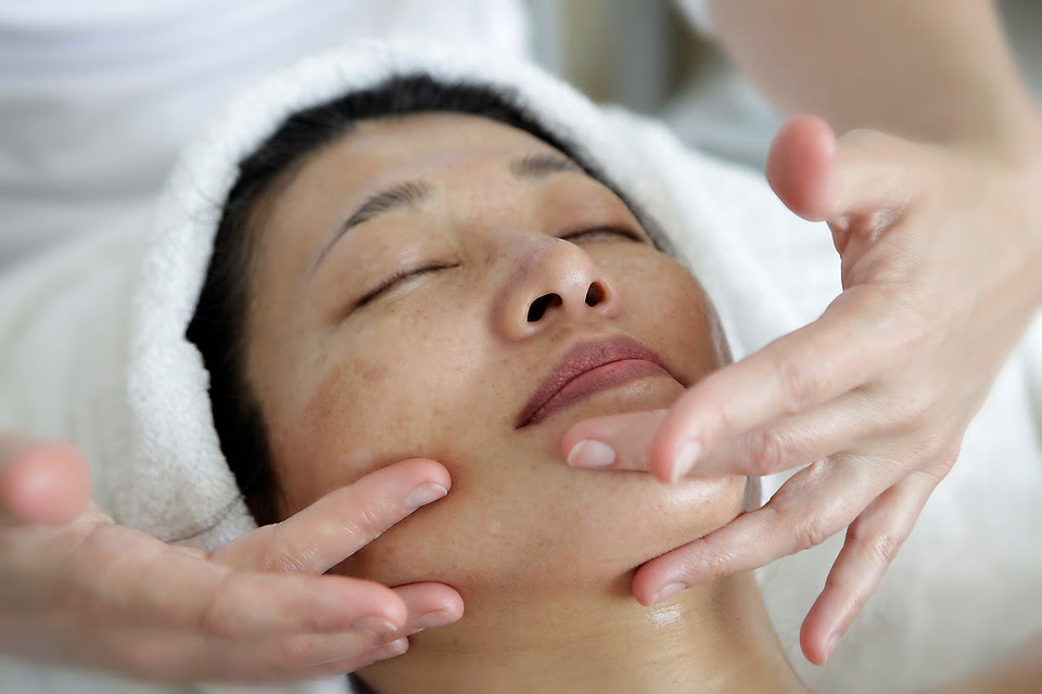 Why You Should Massage Your Face Everyday
